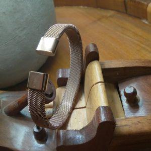 Narukvica (ženska) sa magnetima